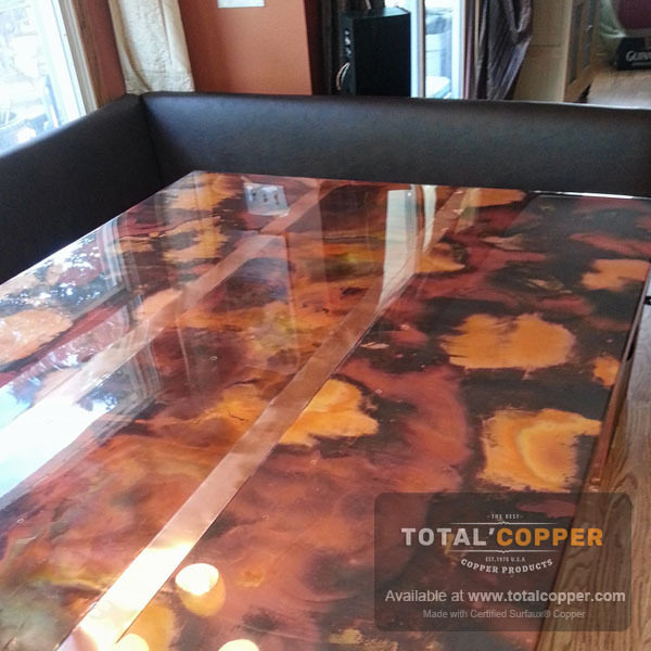 Rojo Y Negro Copper Table